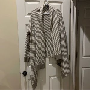 Liz Claiborne Cardigan Sweater Chevron Tan white